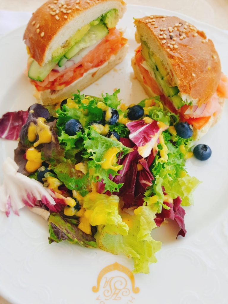salmon sandwhich