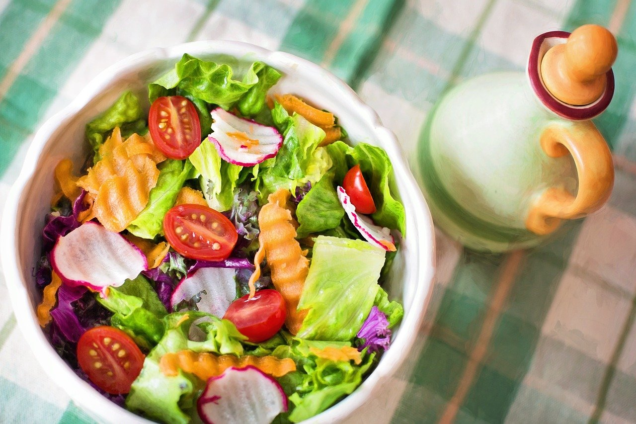 4 Healthy Toppings To Create Delicious Salads