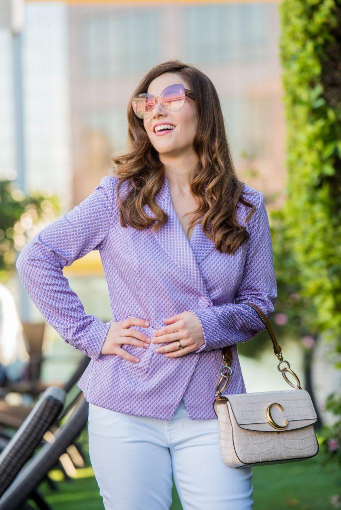 woman-wearinng-bright-purple-blazer